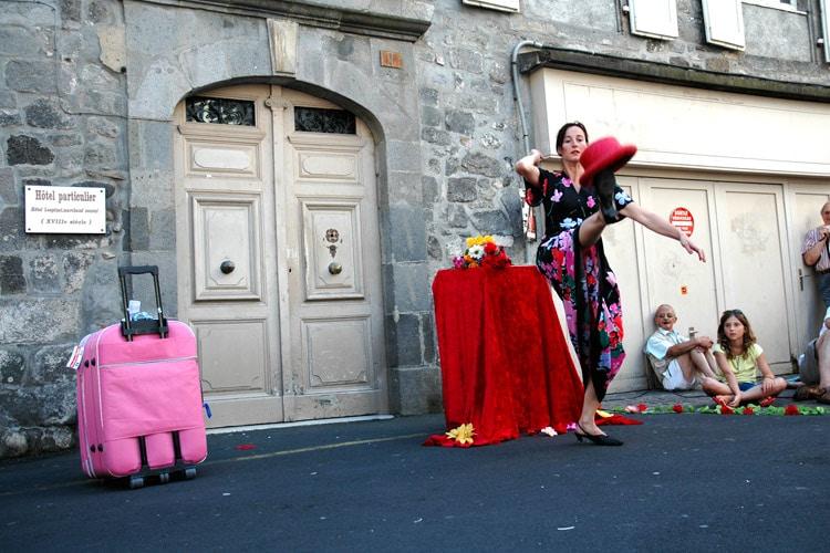 M'Zêle jongleuse Lyon