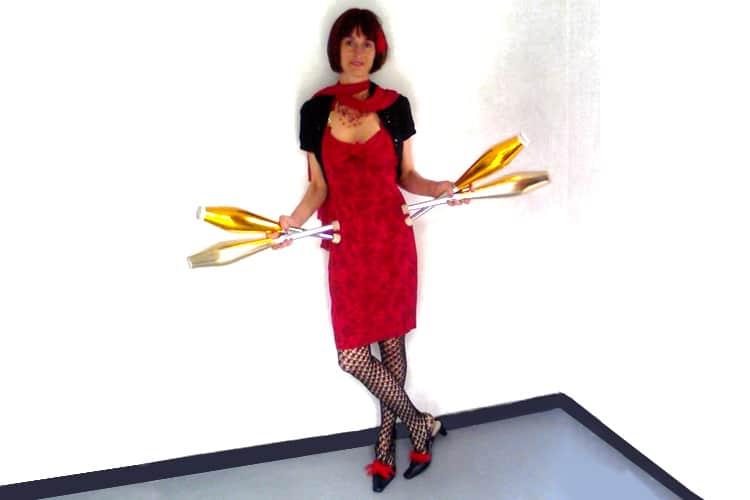 Bérénice-Lévy-robe-rouge1